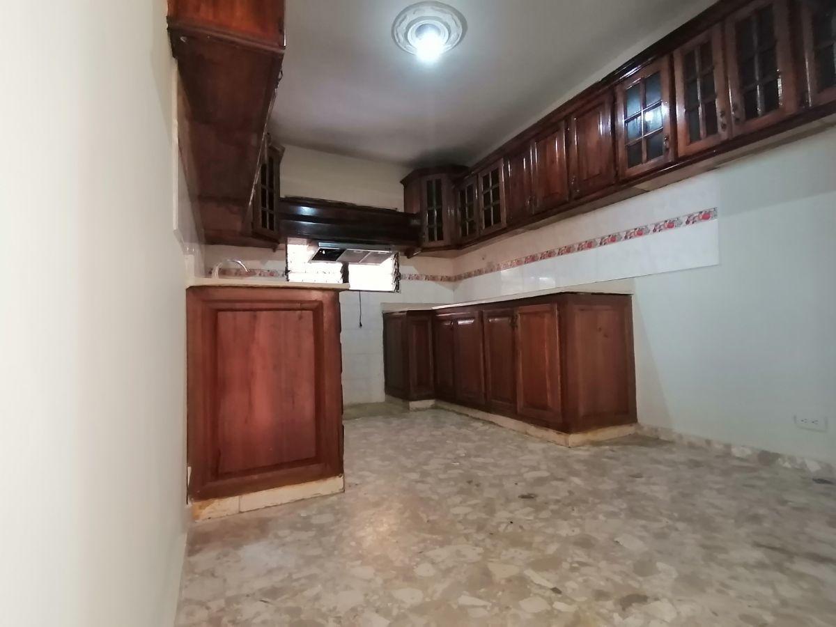 Amplia casa con 4.5 habitaciones y 3 parqueos en SFMimage5