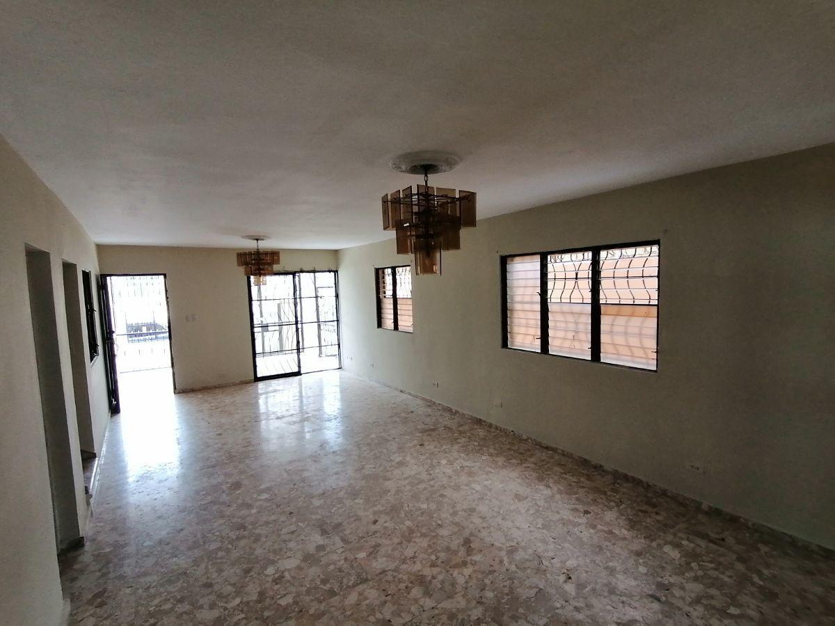 Amplia casa con 4.5 habitaciones y 3 parqueos en SFMimage2