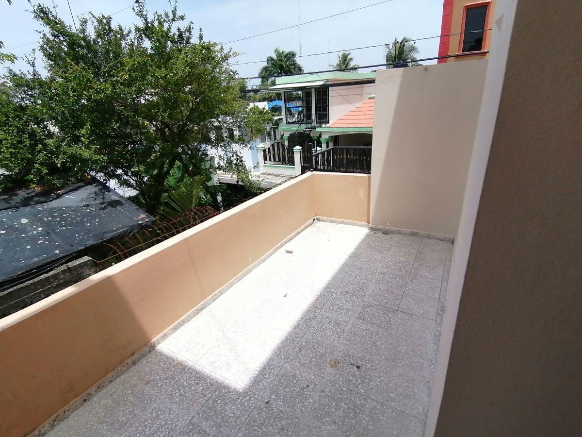 Amplia casa con 4.5 habitaciones y 3 parqueos en SFMimage9