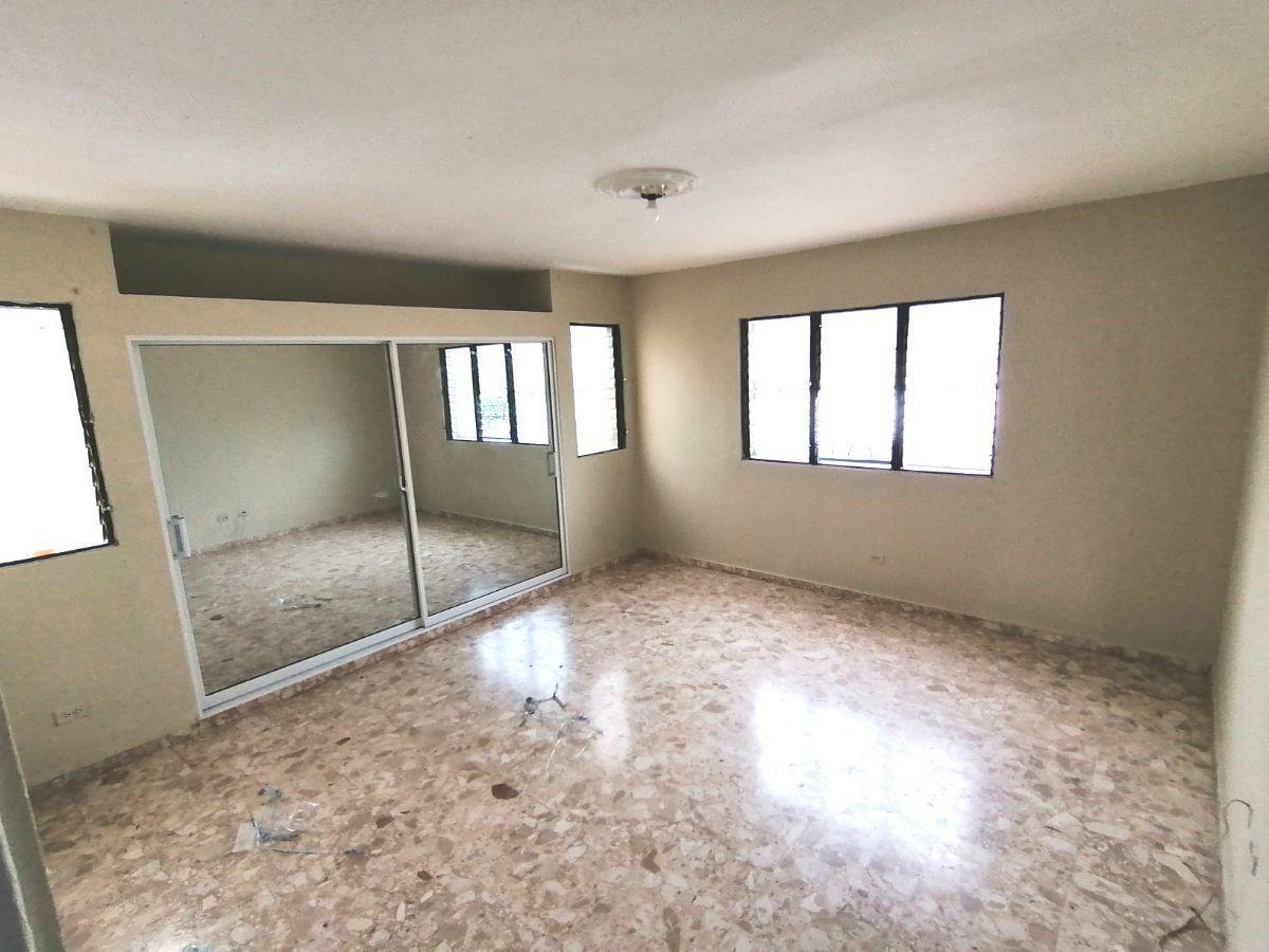 Amplia casa con 4.5 habitaciones y 3 parqueos en SFMimage11