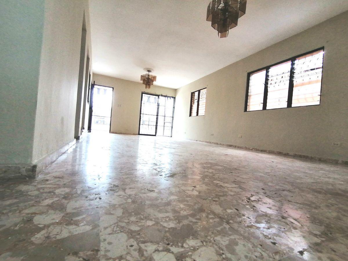 Amplia casa con 4.5 habitaciones y 3 parqueos en SFMimage17