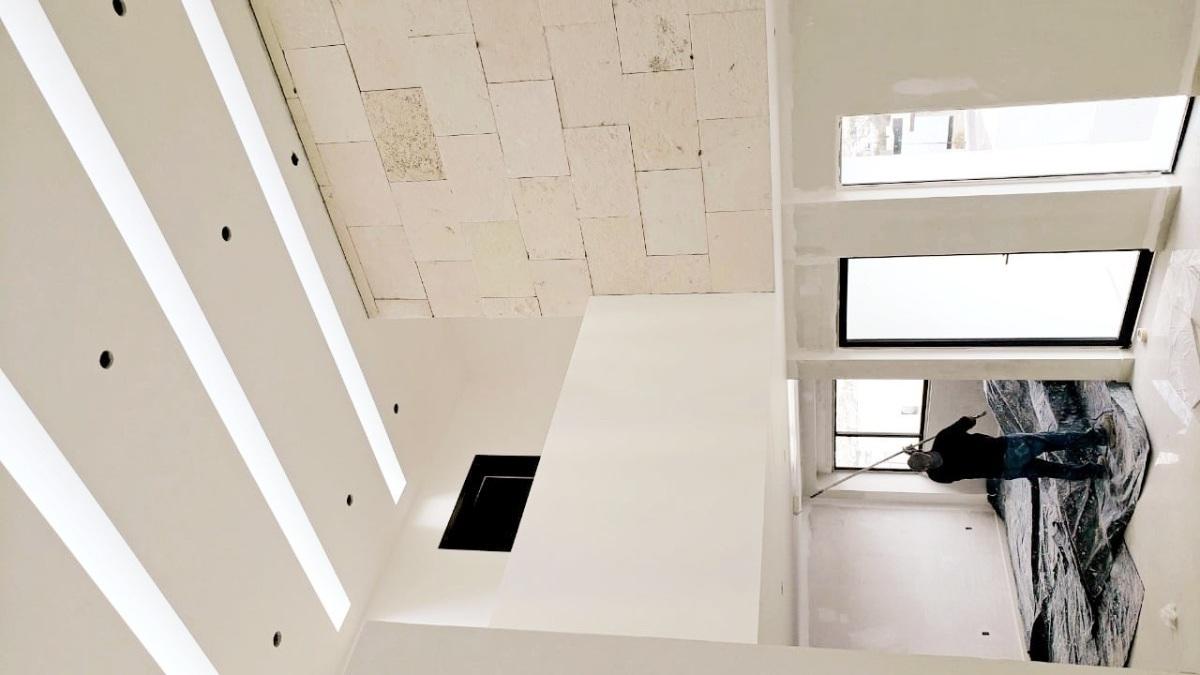 7 de 25: Vista desde las escaleras a planta 1