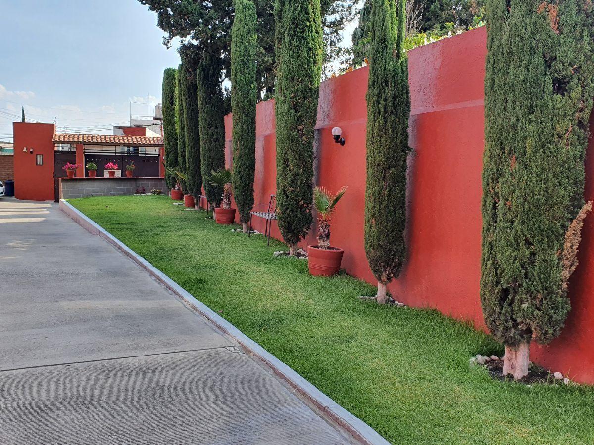 2 de 15: Jardín común de la privada