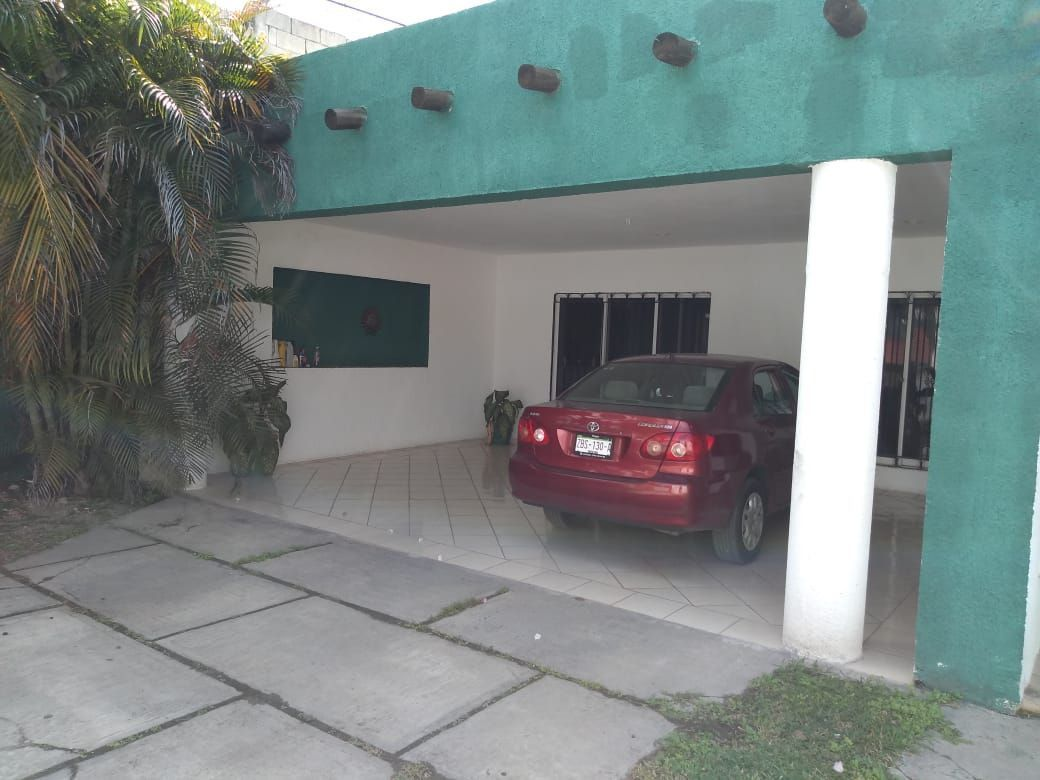 2 de 16: Garaje techado para 2 autos