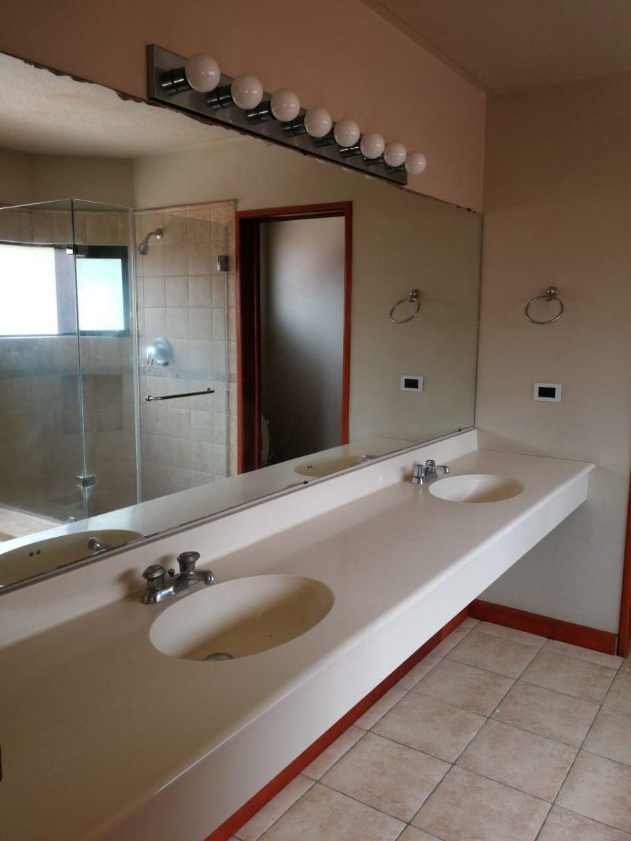 2 de 10: Baño dormitorio