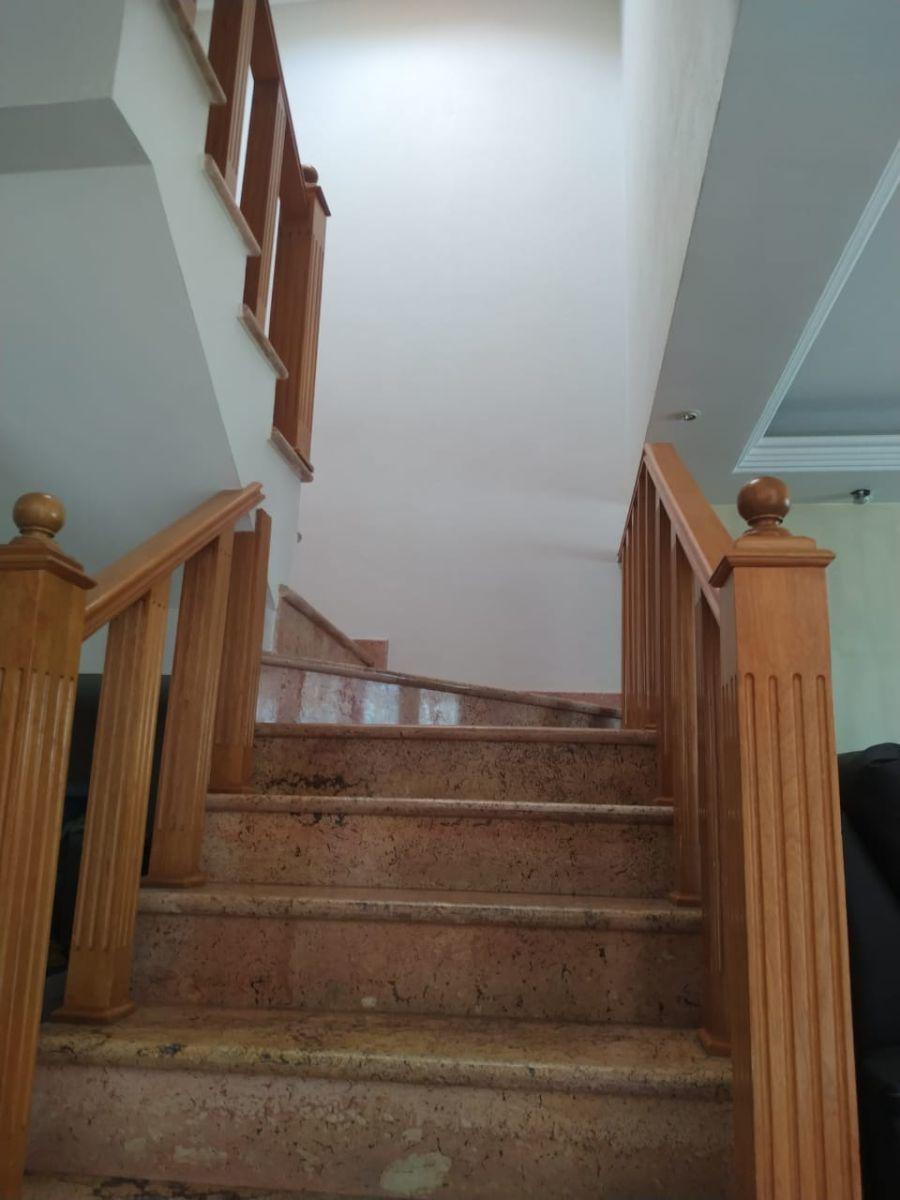 7 de 14: Escaleras