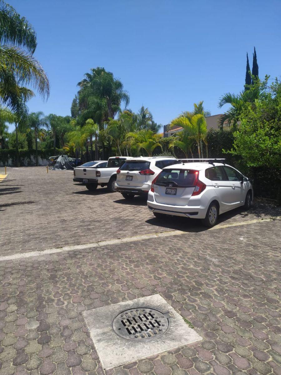 14 de 14: Estacionamiento visitas