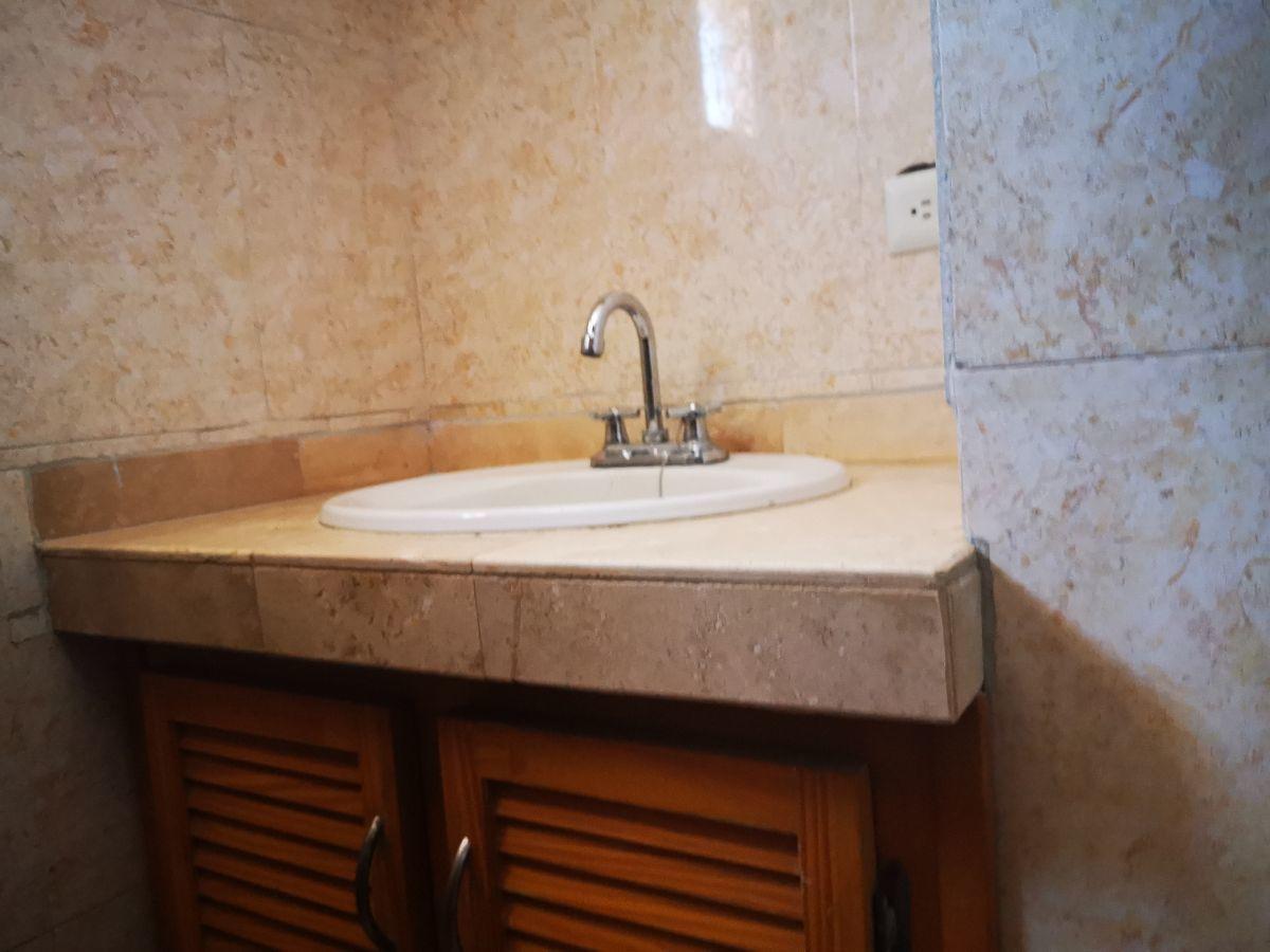 10 de 19: area tocador baño