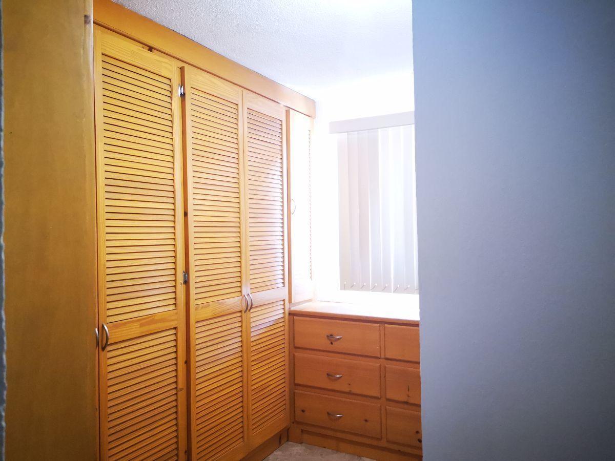 8 de 19: closet vestidor recamara principal