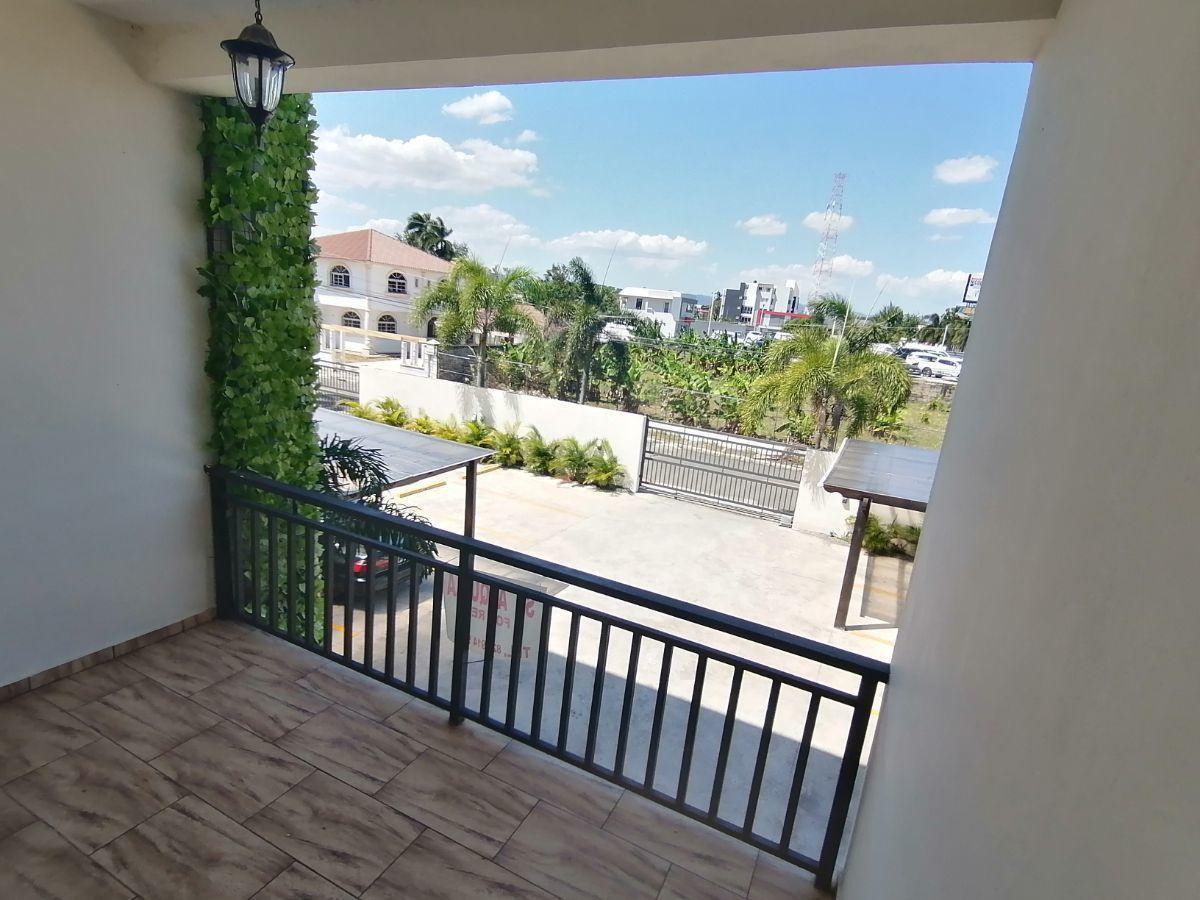Amplio y moderno apartamento, 2do nivel, salida a Sto. Dgo., SFM.image1