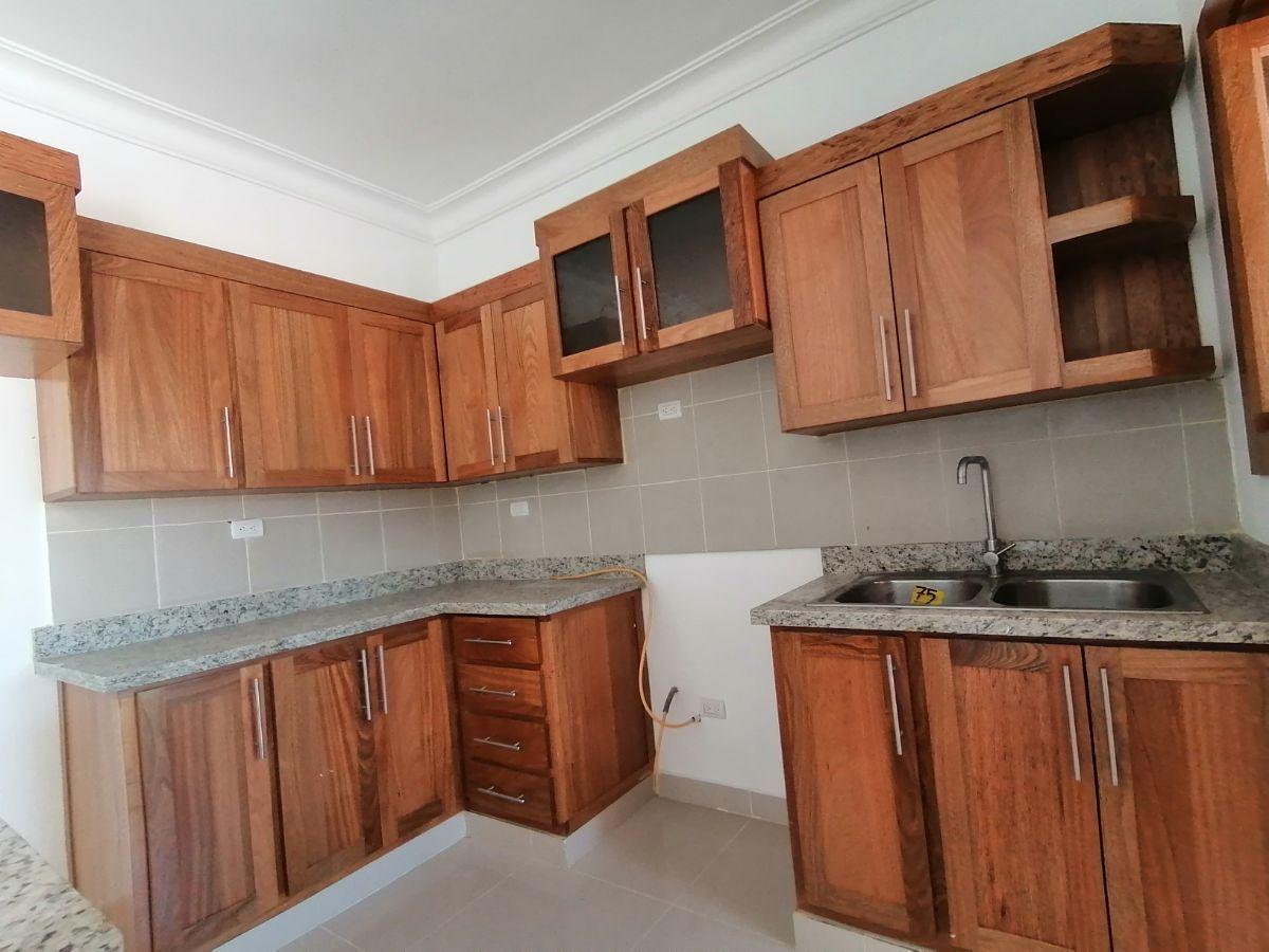 Amplio y moderno apartamento, 2do nivel, salida a Sto. Dgo., SFM.image7