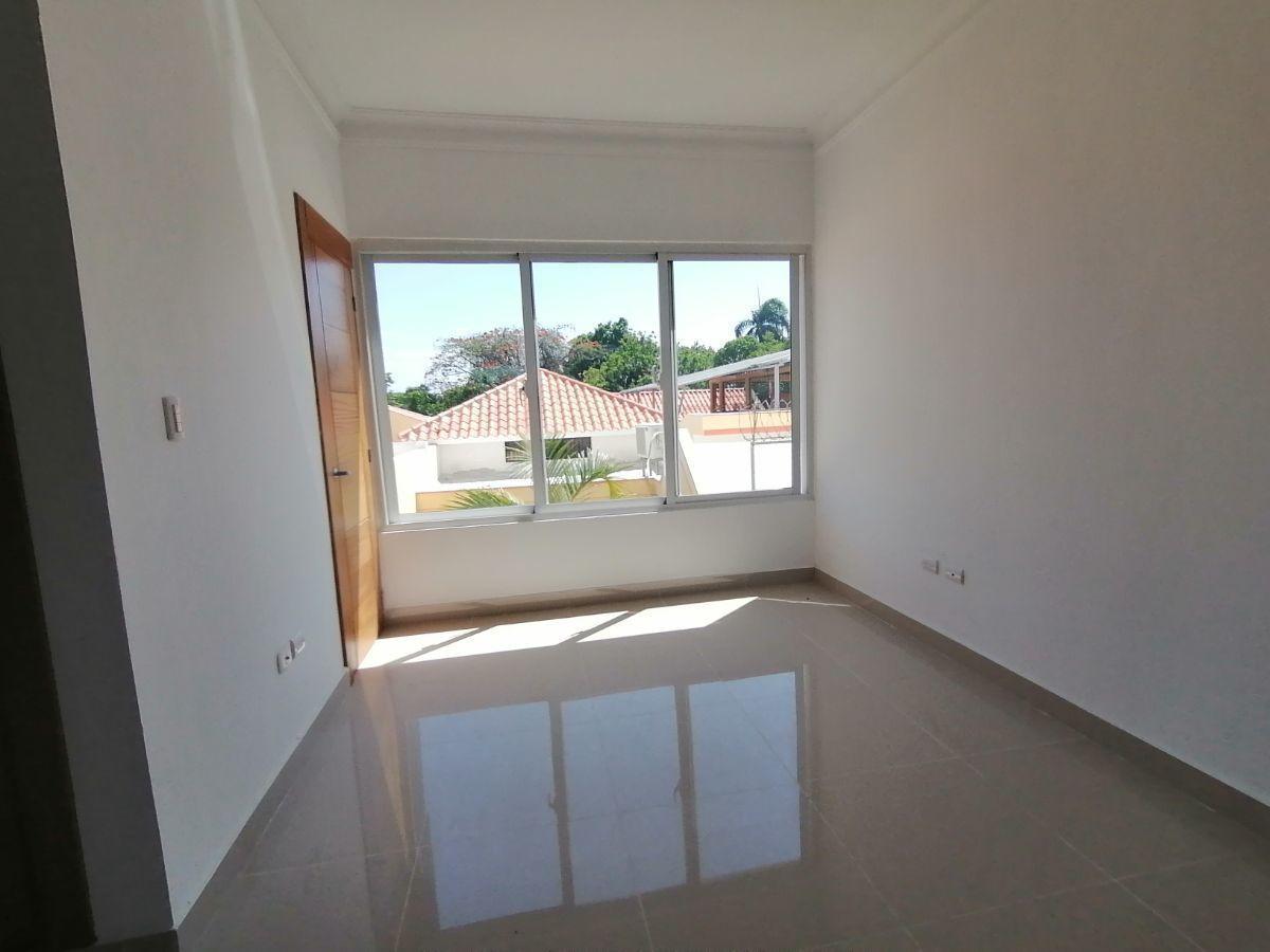 Amplio y moderno apartamento, 2do nivel, salida a Sto. Dgo., SFM.image8