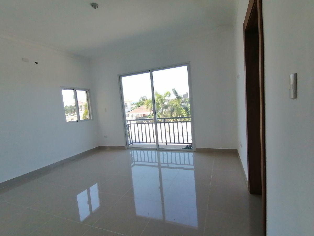 Amplio y moderno apartamento, 2do nivel, salida a Sto. Dgo., SFM.image5