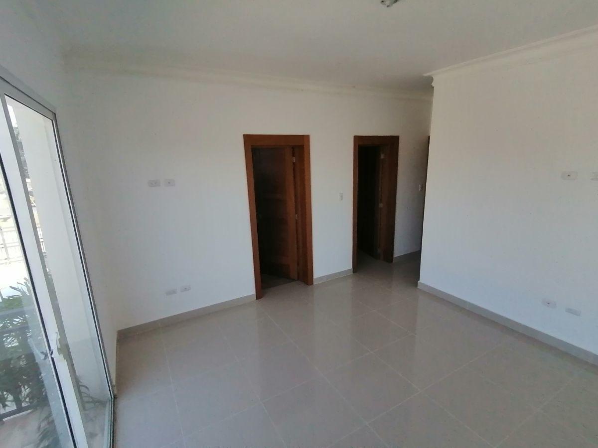 Amplio y moderno apartamento, 2do nivel, salida a Sto. Dgo., SFM.image10
