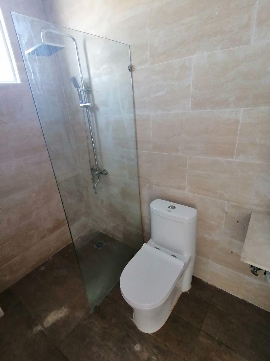 Amplio y moderno apartamento, 2do nivel, salida a Sto. Dgo., SFM.image15