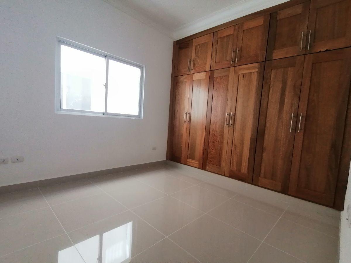 Amplio y moderno apartamento, 2do nivel, salida a Sto. Dgo., SFM.image11