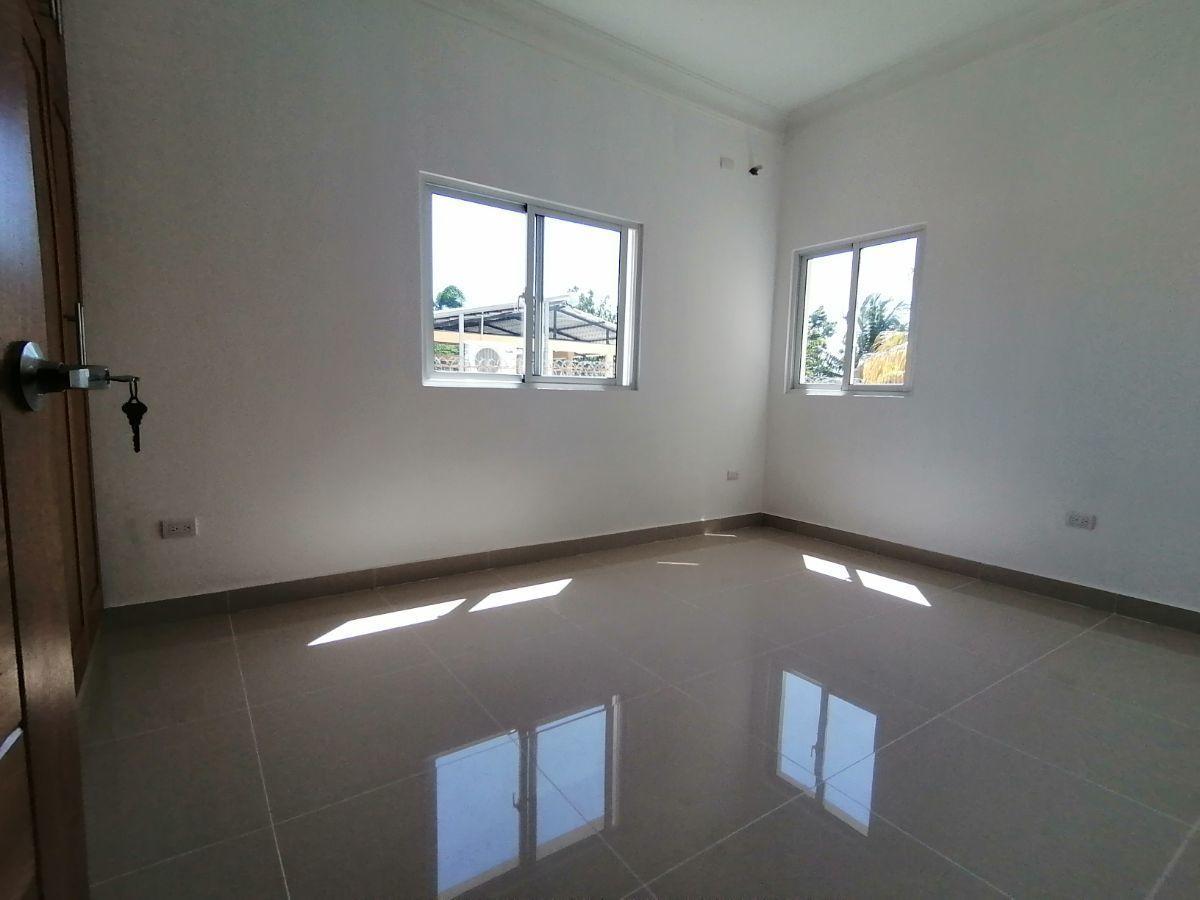 Amplio y moderno apartamento, 2do nivel, salida a Sto. Dgo., SFM.image12