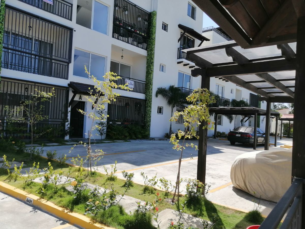 Amplio y moderno apartamento, 2do nivel, salida a Sto. Dgo., SFM.image18