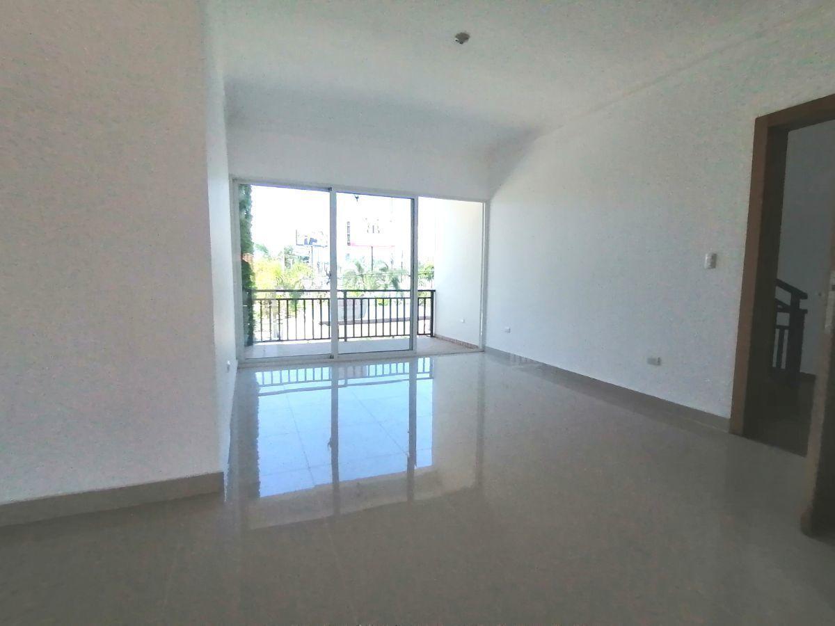 Amplio y moderno apartamento, 2do nivel, salida a Sto. Dgo., SFM.image16