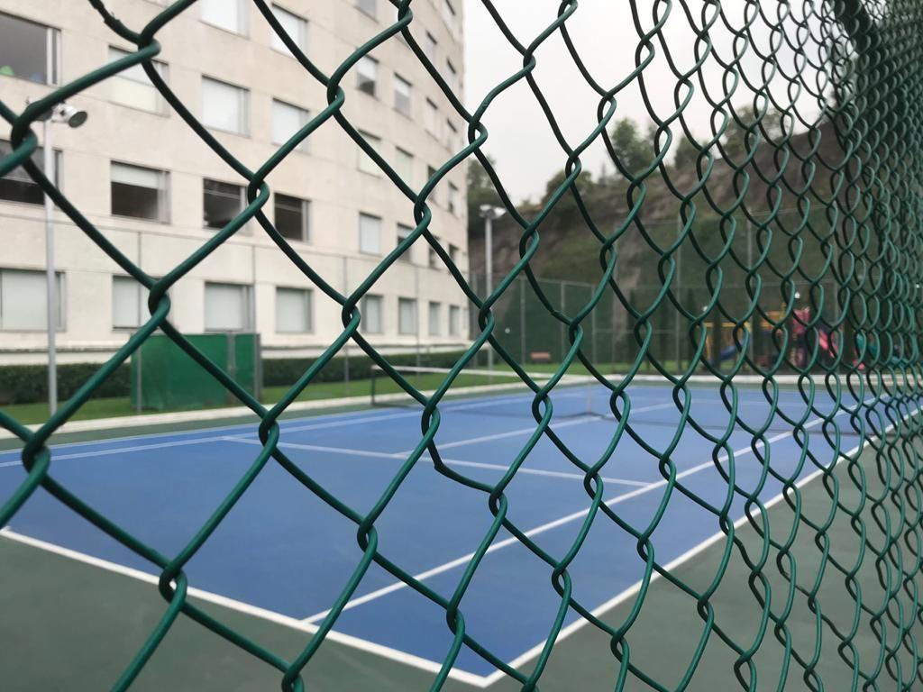 10 de 18: Cancha de Tenis