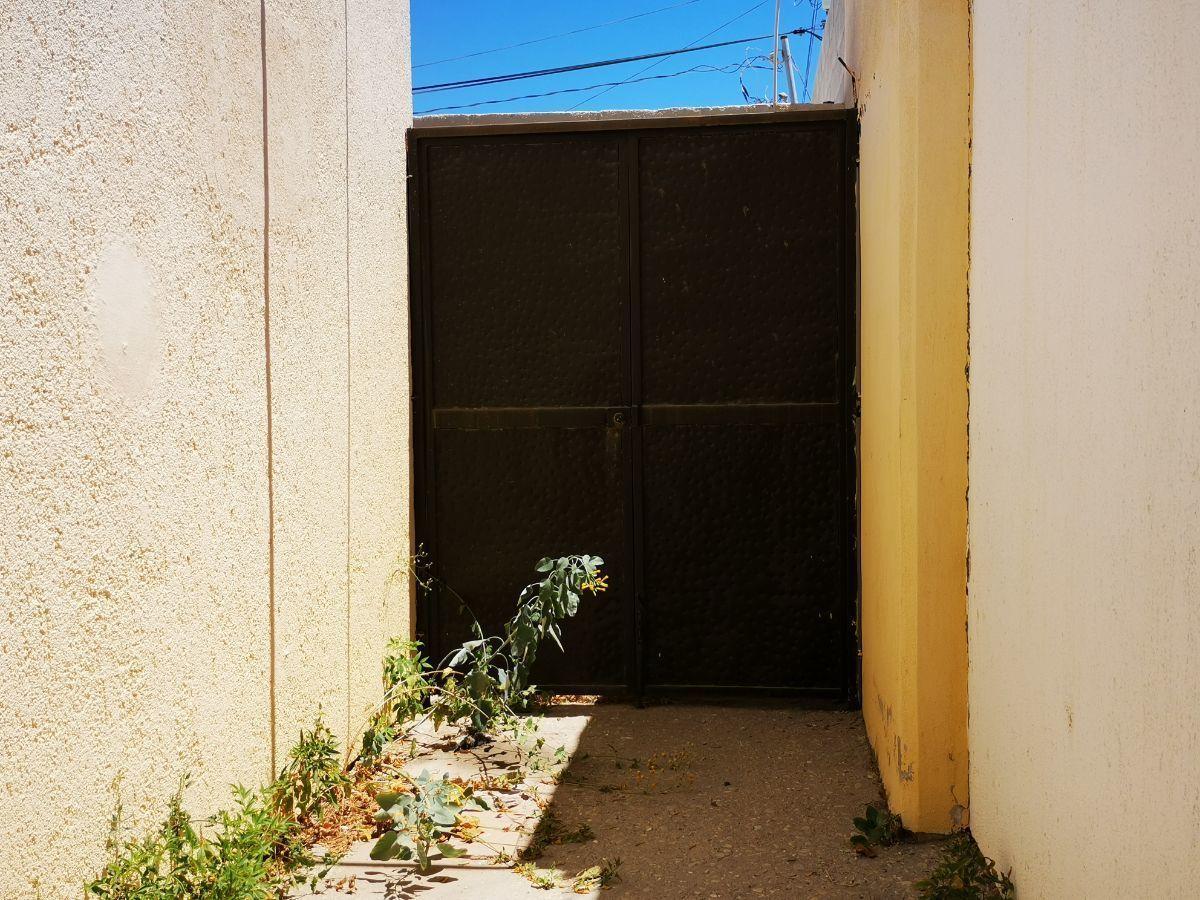 11 de 12: porton interior de acceso a patio trasero