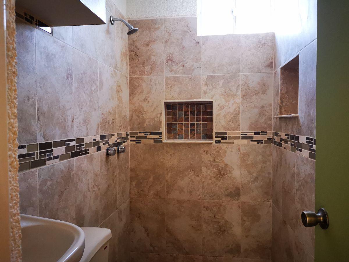 6 de 12: area baño casa