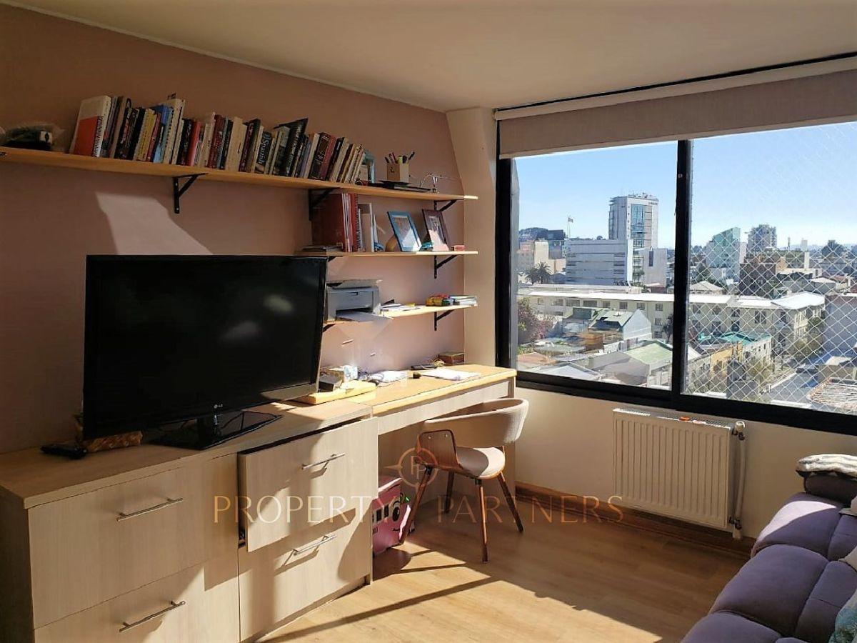 9 de 10: Dormitorio/sala de estar