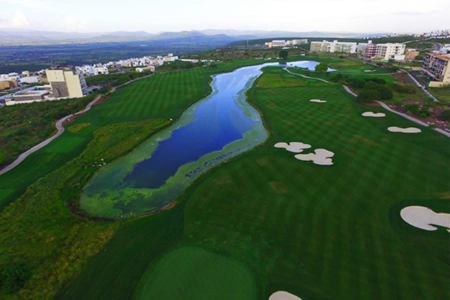 18 de 19: Campo de golf