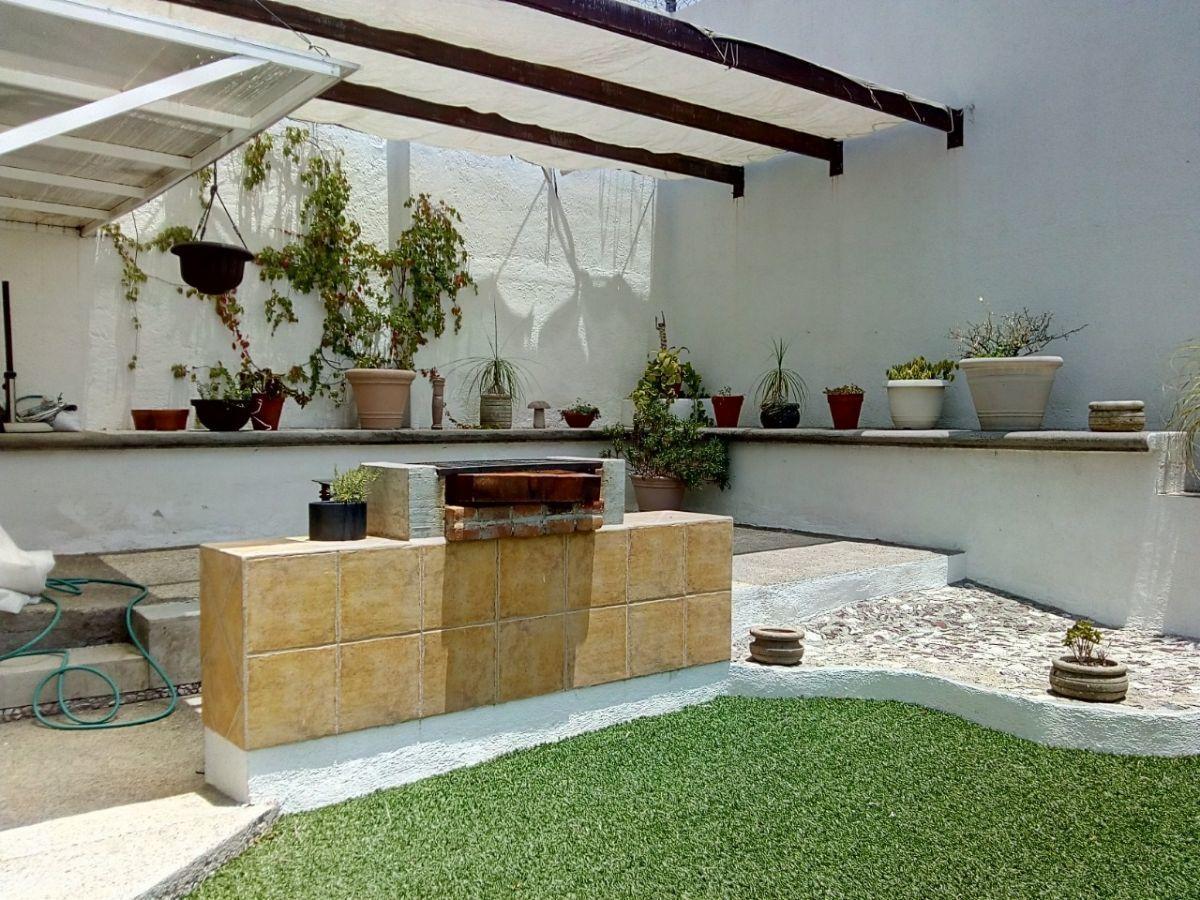 9 de 11: Jardín con Terraza y Asador