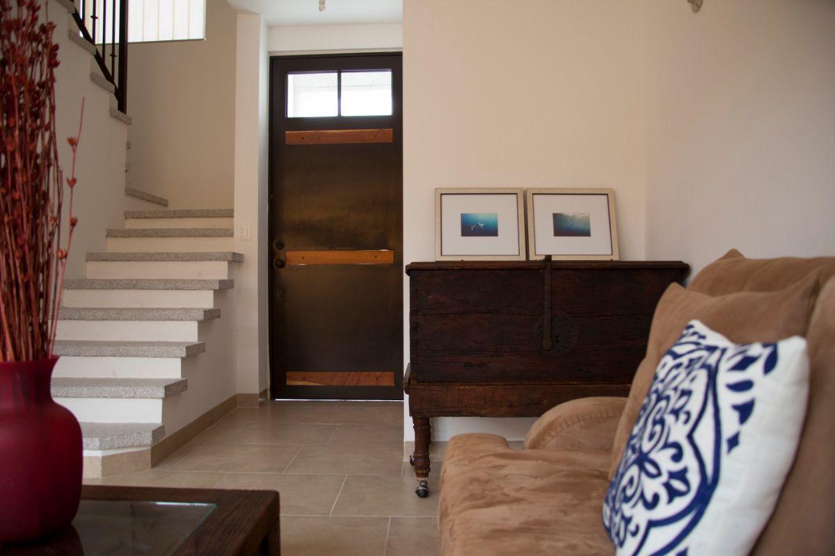 4 de 14: Sala hacia escaleras