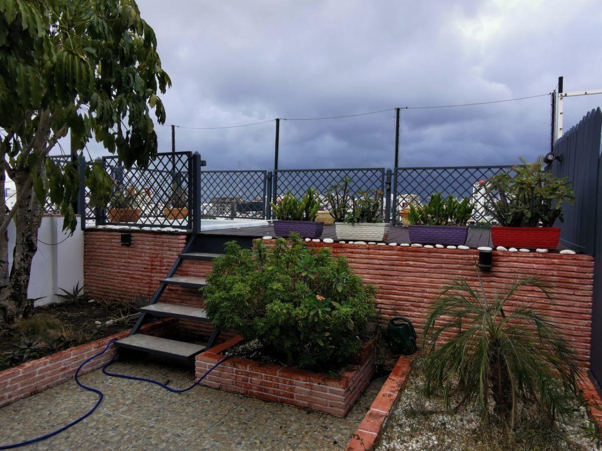 18 de 27: Terraza con jacuzzi