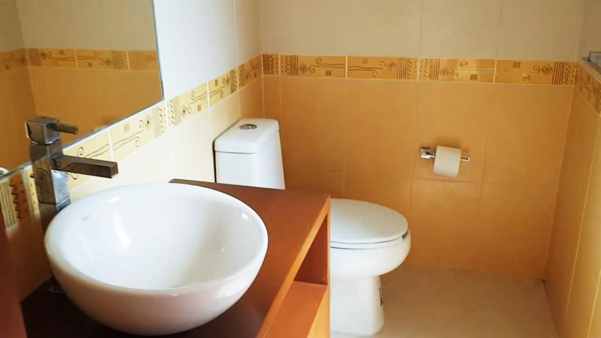 25 de 26: baño completo en cada recámara