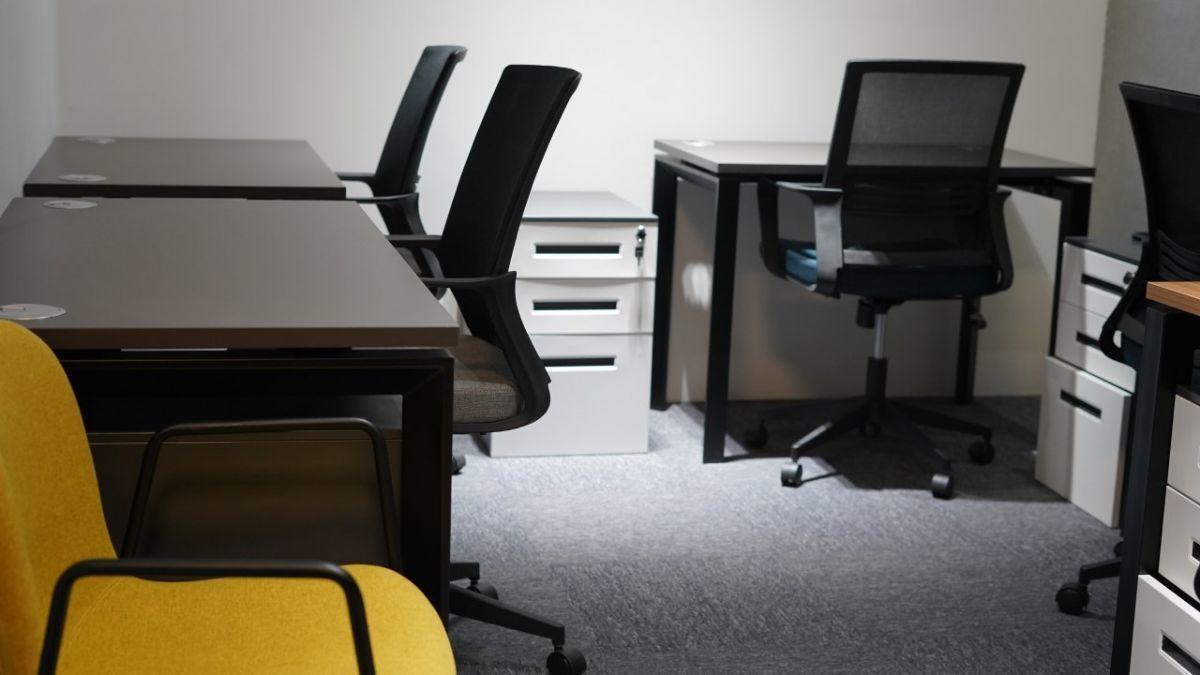 3 de 9: Oficina sin vista
