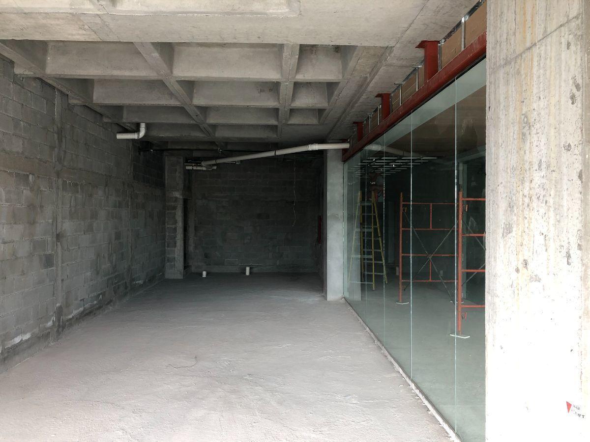 4 de 4: Vista del Interior.