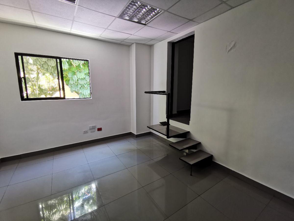 1 de 9: Local de 31 m2