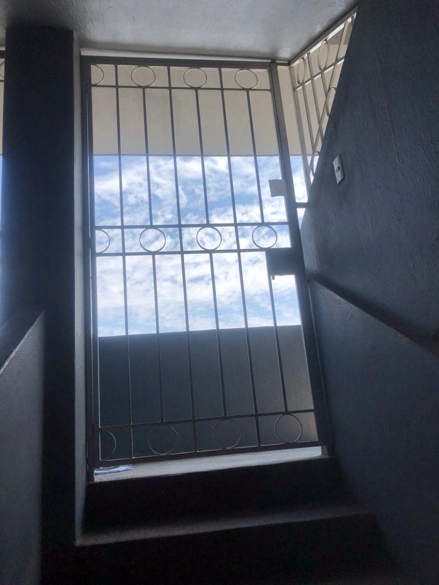 25 de 26: Puerta de protección antes de puerta principal