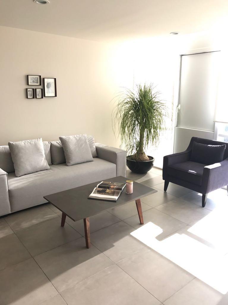 3 de 5: Sala moderna y cómoda
