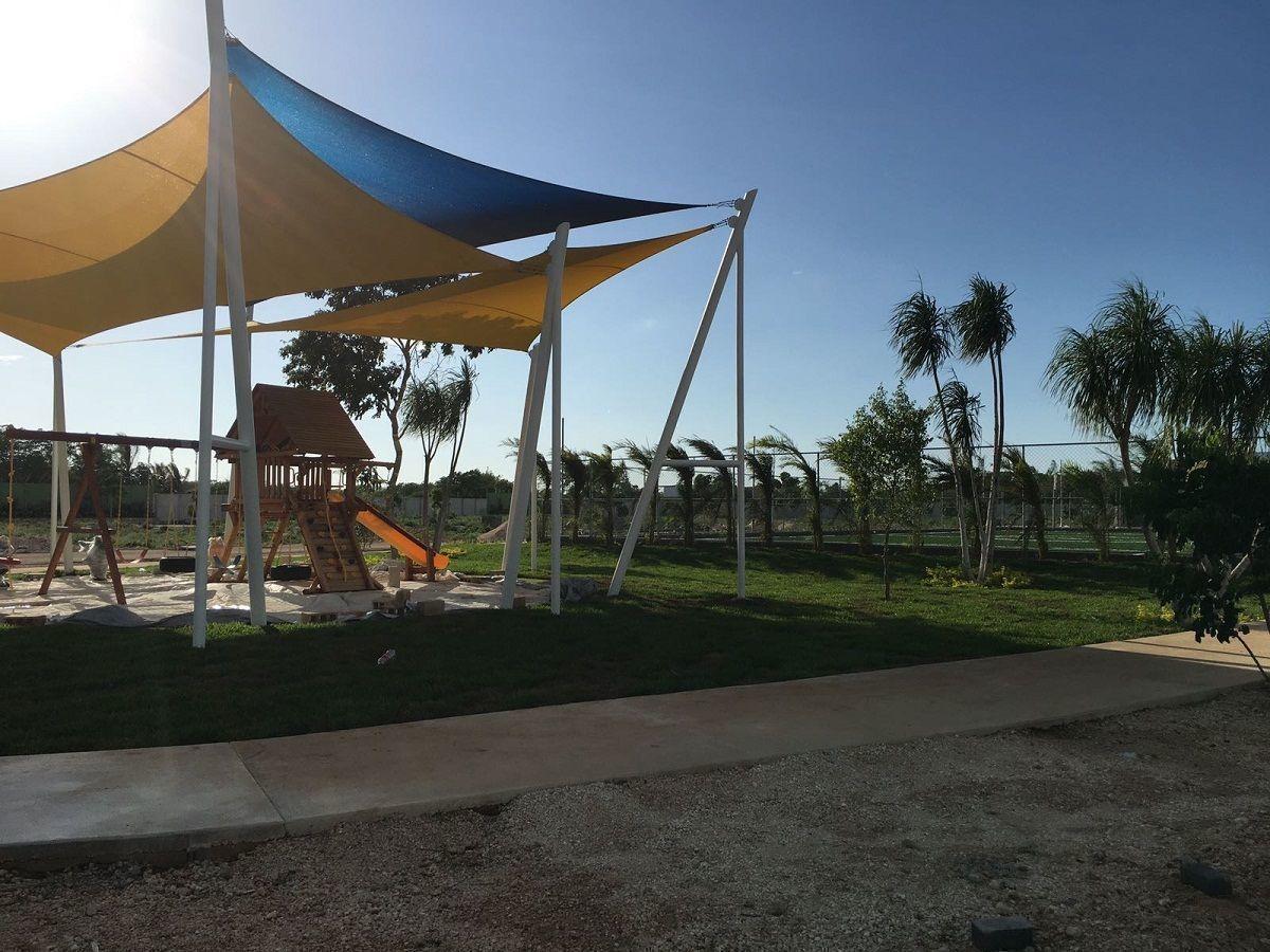 19 de 24: Área de Juegos Infantiles