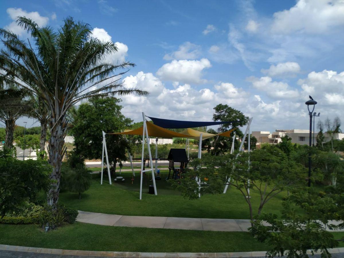 21 de 24: Área de Juegos Infantiles