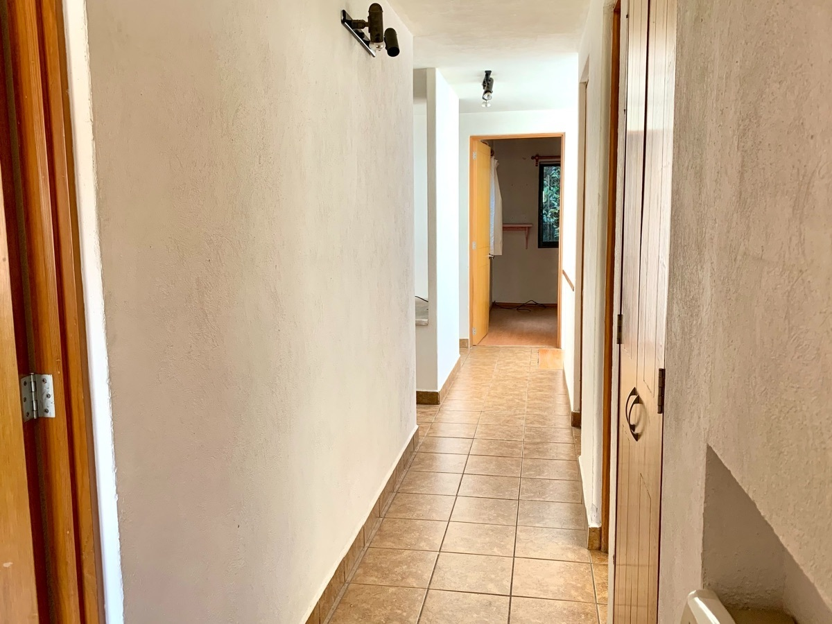 18 de 37: Pasillo entre habitaciones