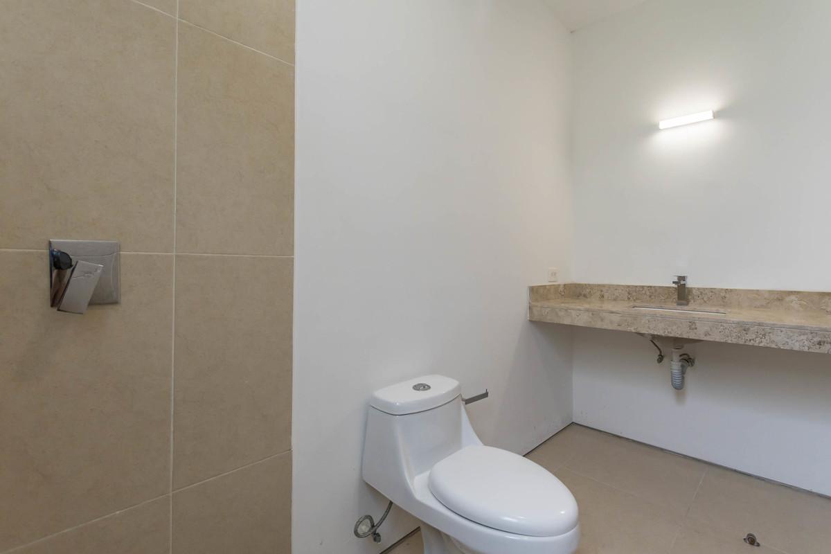 22 de 32: Baño habitación secundaria