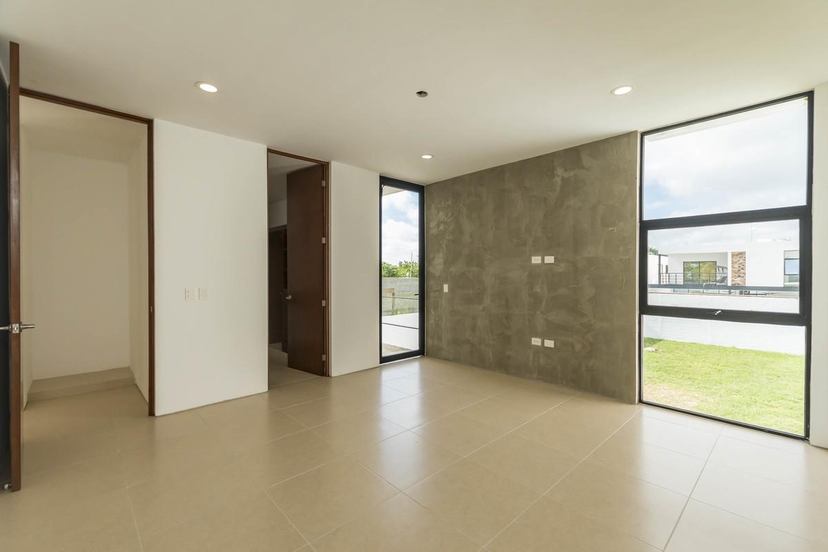 16 de 32: Habitación principal, con walk-in clóset, balcón, baño.
