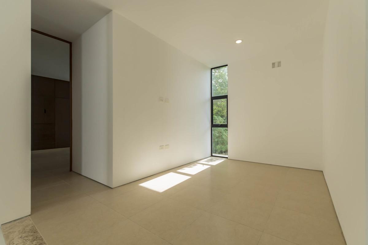 15 de 32: Family Room - Mezzanine