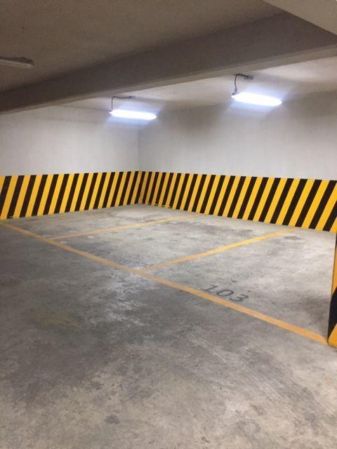 14 de 14: Comodos estacionamientos individuales.