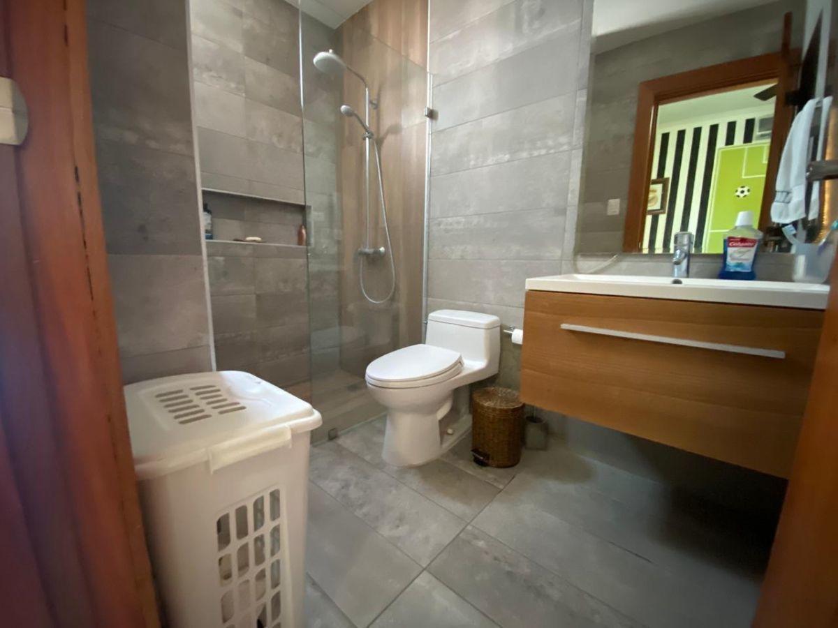 6 de 20: Baño Secundario