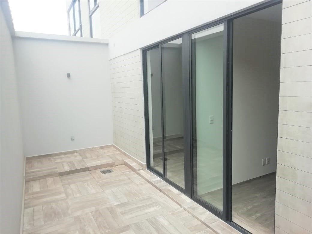 12 de 17: Terraza ideal para huerta/jardin y desyunador