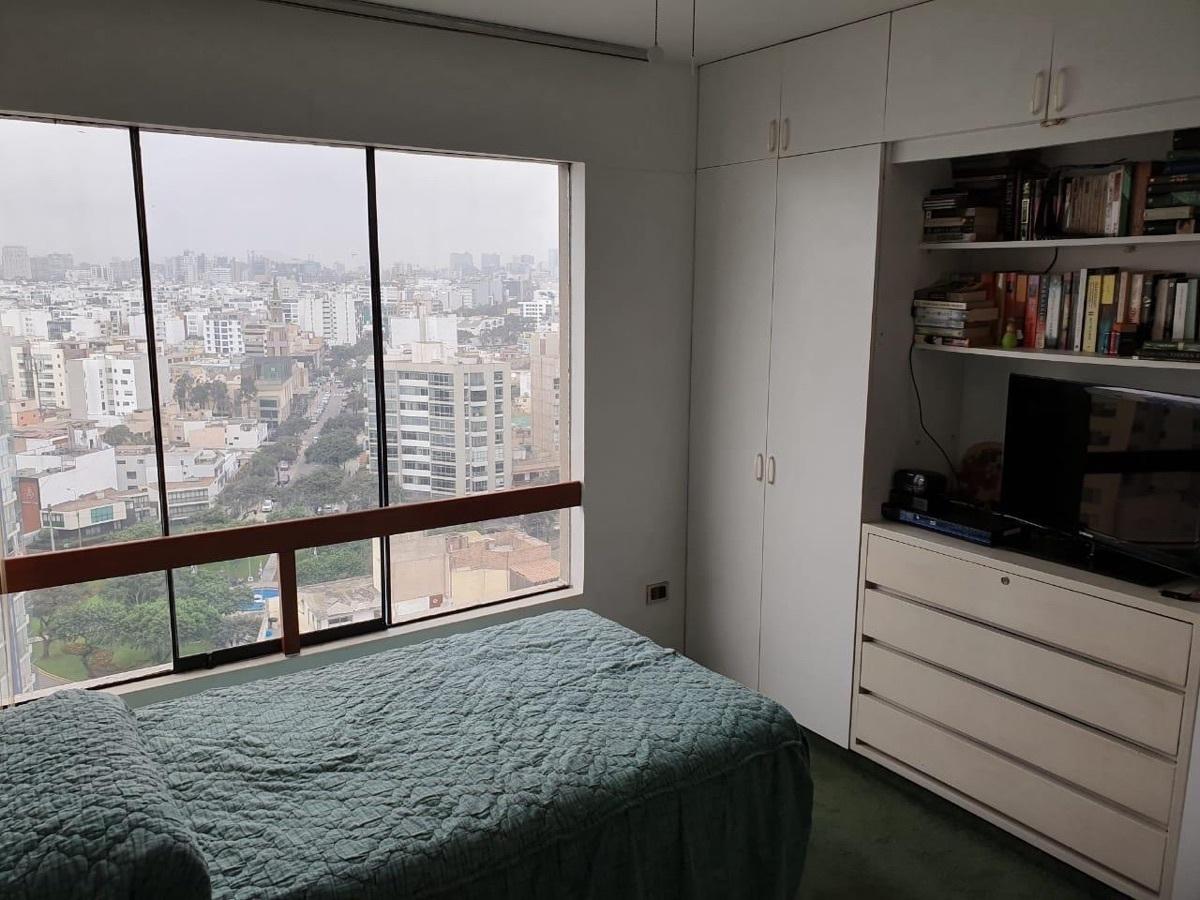 8 de 11: Dormitorio secundario con muy buena luz y vista despejada