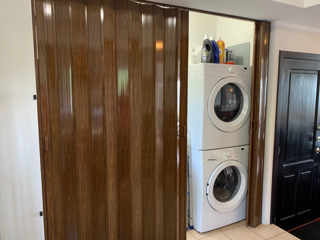 10 de 15: Lavandería en closet y pila