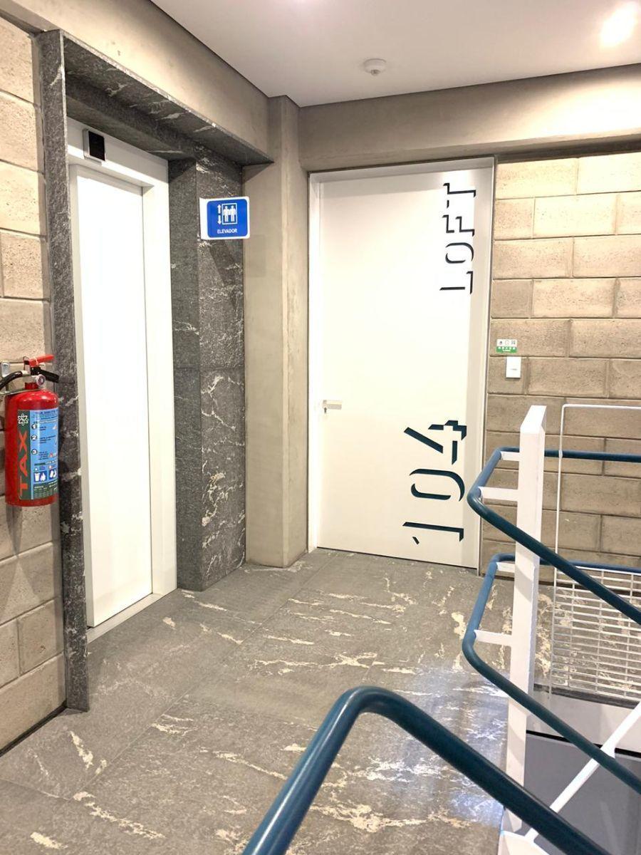9 de 50: acceso al departamento