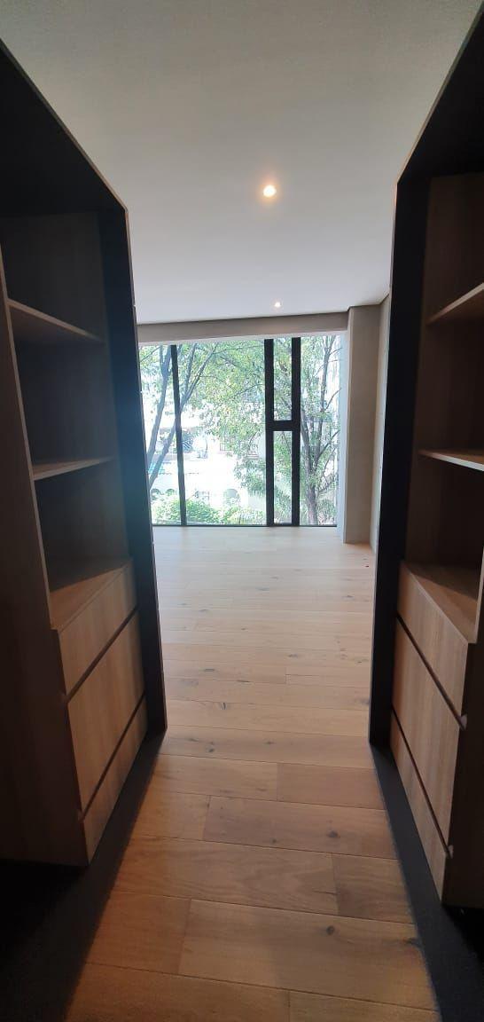 42 de 50: closet recamara principal